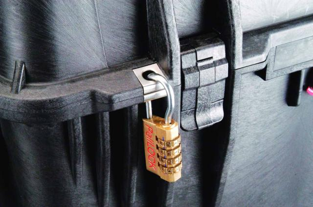 Odolný kufr PELI 0370